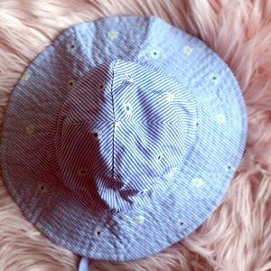 Carters spring/ summer infant hat